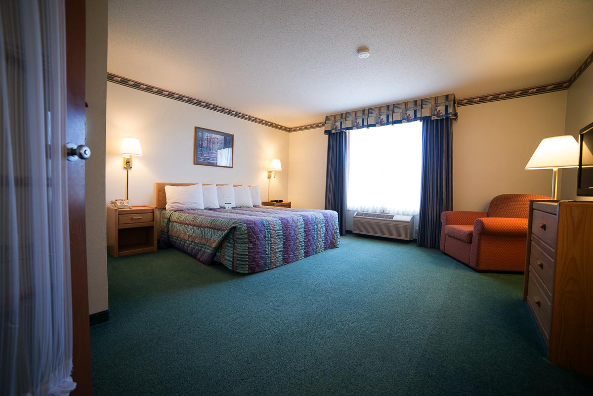 2-room-suite-5.png