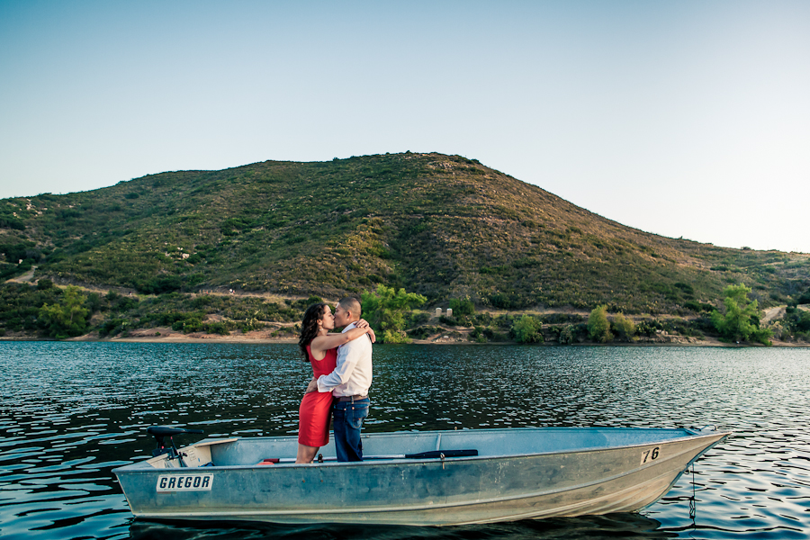 ENGAGEMENT PHOTOS POWAY LAKE