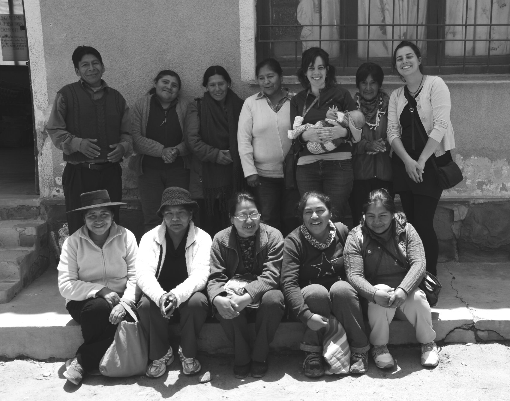 Sandra and Silvana Rossi with the artisans of the OBRA collective in Formosa, Argentina. Photo Source: OBRA Hecho a Mano