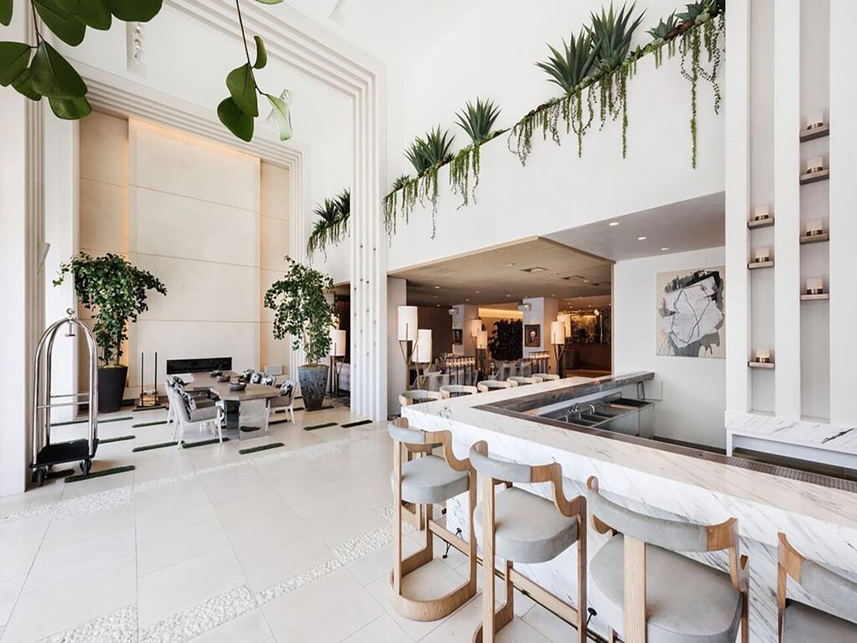 Dream Hollywood Hotel -