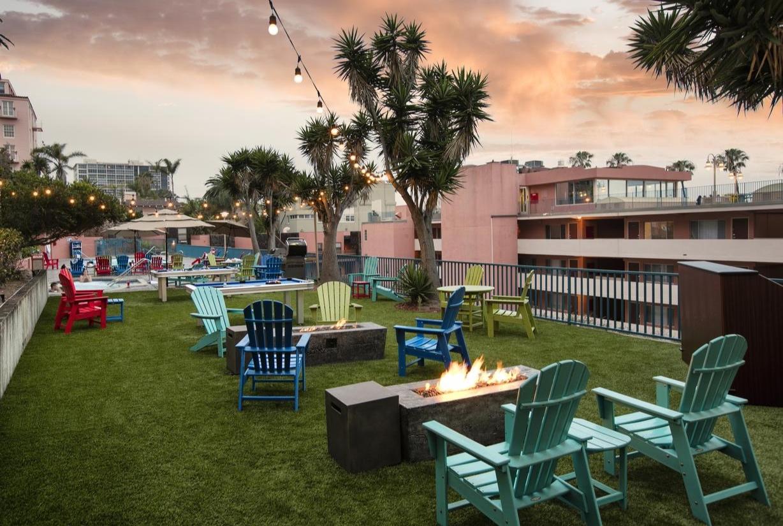 La Jolla Cove Suites -