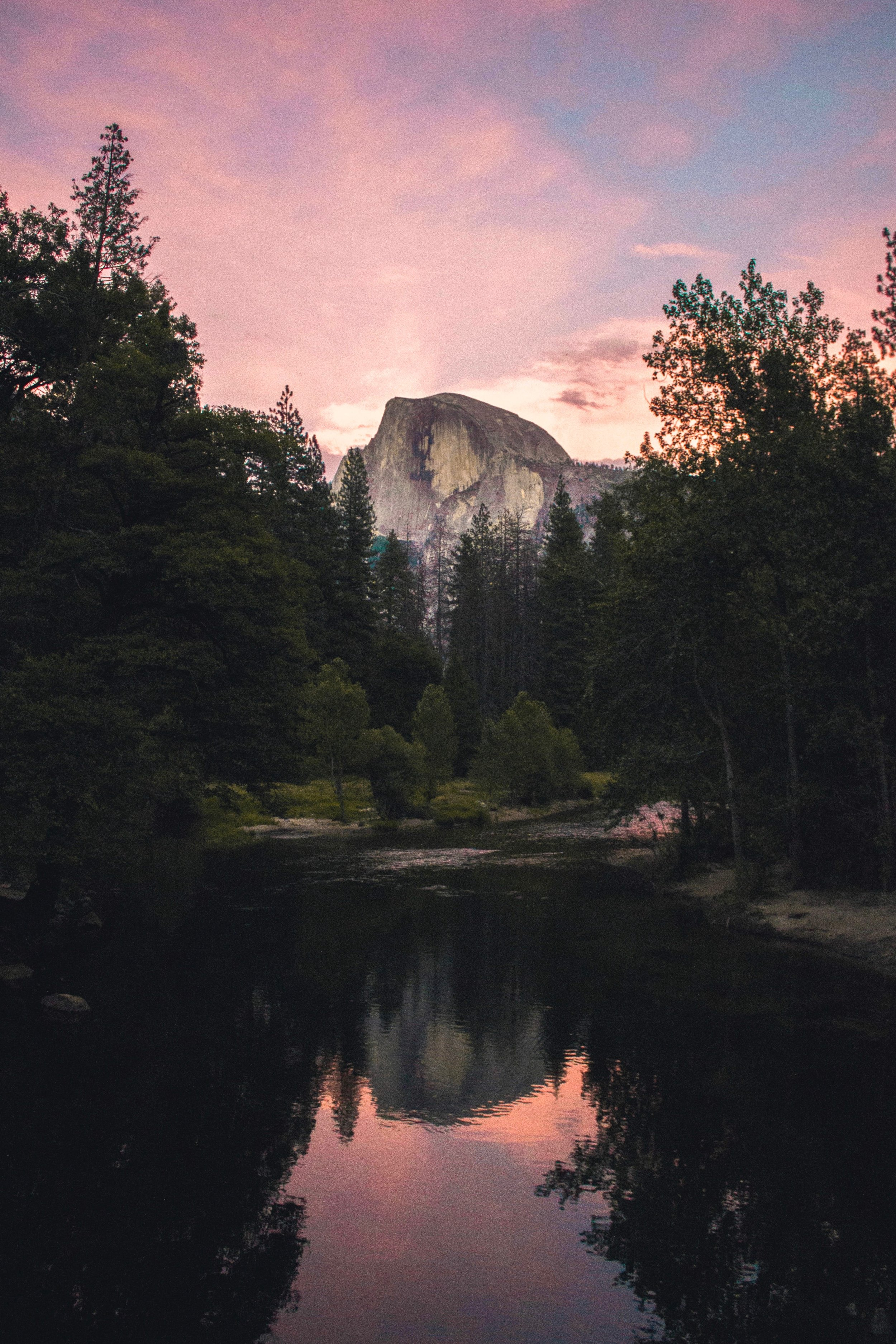 Yosemite One Way or Round Trip from San Francisco - Going up in the morning a comfortable train ride from Oakland / Emeryville to Merced takes about 3 hours and then YARTS motor coach to Yosemite Valley takes about 2 hrs and 15 minutes.