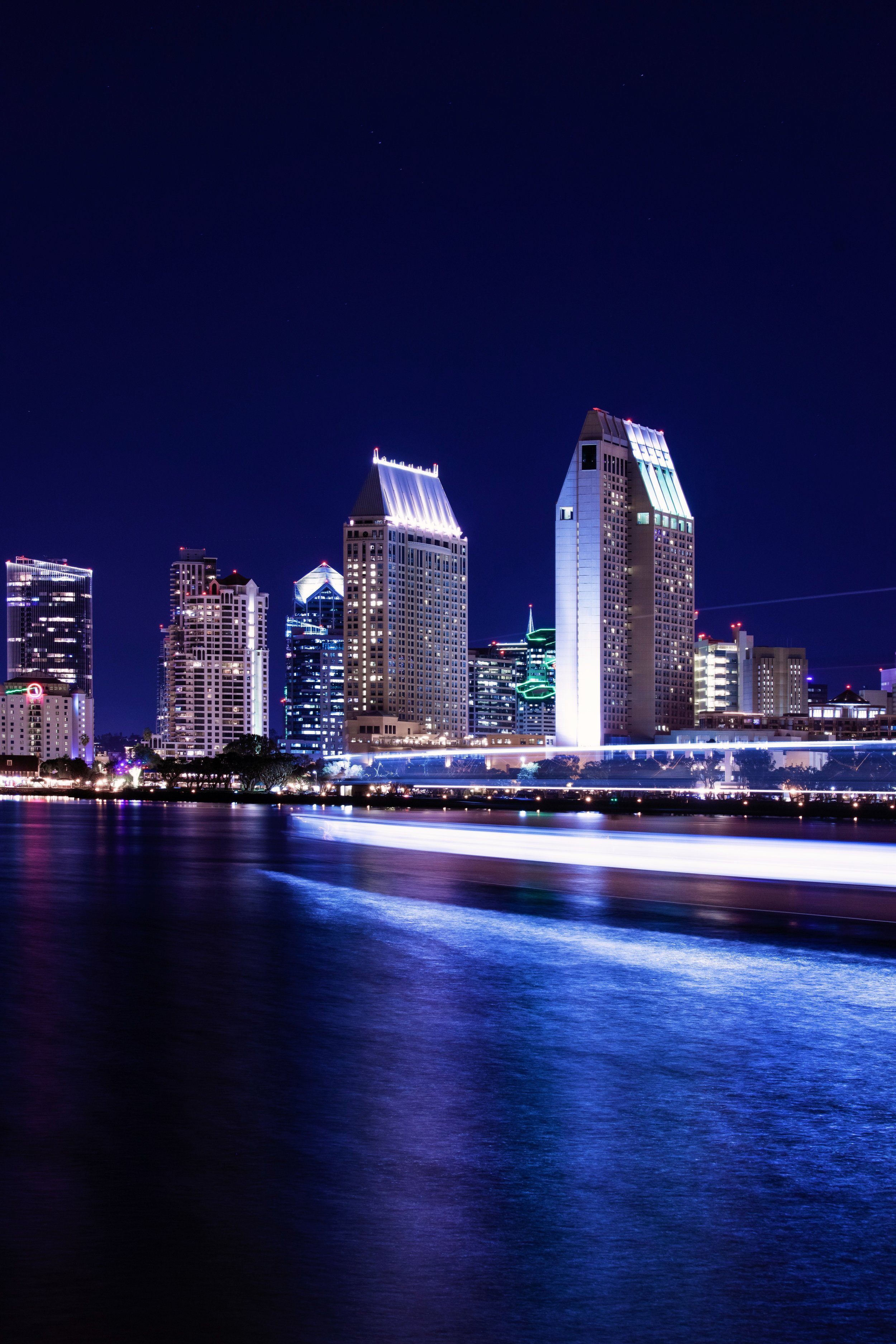 Scenic San Diego City Tour - Discover the sun-drenched attractions of San Diego on this 4-hour city tour covering the city's top neighborhoods, historic sites and parks.Over the course of your trip, you'll check out the museums of Balboa Park, admire the historic architecture of the Gaslamp Quarter and Old Town and explore the mansions and beautiful coast in La Jolla, plus much more.It's a great chance to pack in lots of landmarks in a short period of time. This San Diego sightseeing tour also includes round-trip hotel transport, a guide and optional upgrades.
