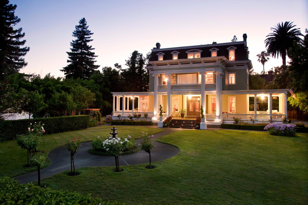 Churchill Manor -