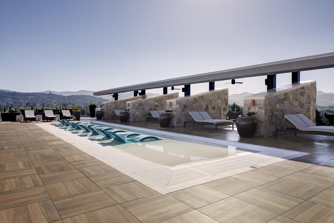 Archer Hotel -
