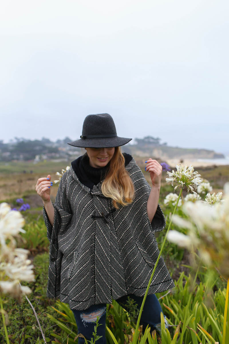 Gennifer Rose_How to Style an Oversized Fall Poncho_1.jpg
