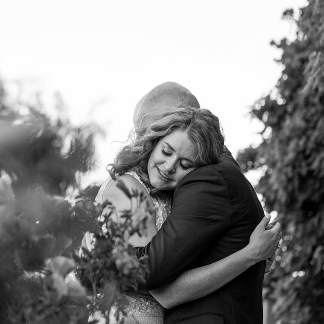There's nothing better than a hug that makes you feel like time stands still... It's these moments we sometimes wish we could have over and over again and when we no longer can, we hold onto forever! 💕