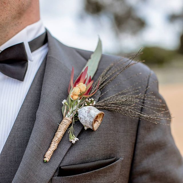 We loved Trav's native flowers, the boys can have a bit of colour too 👌😍 . . . . #nativeflowers  #buttonhole  #boutonnieres  #lapel  #dappergroom