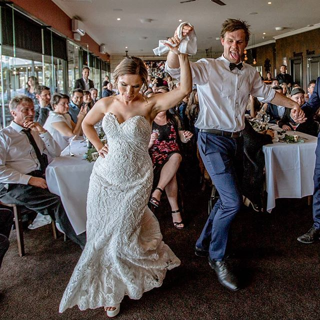 Zoe and Tim dancing up a storm 💃🕺 Your wedding day is all about having fun and that's what these guys did 💕