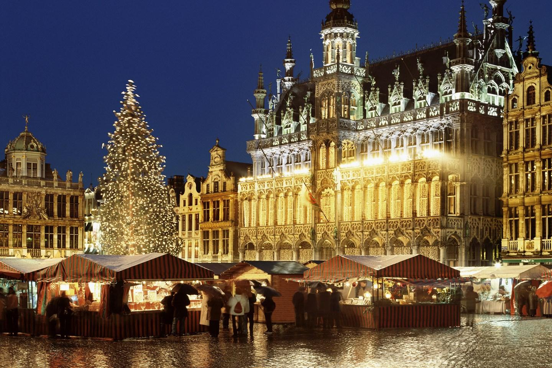 Brussells-Christmas-Market-Vogue-4Nov15-Rex_b_1440x960.jpg