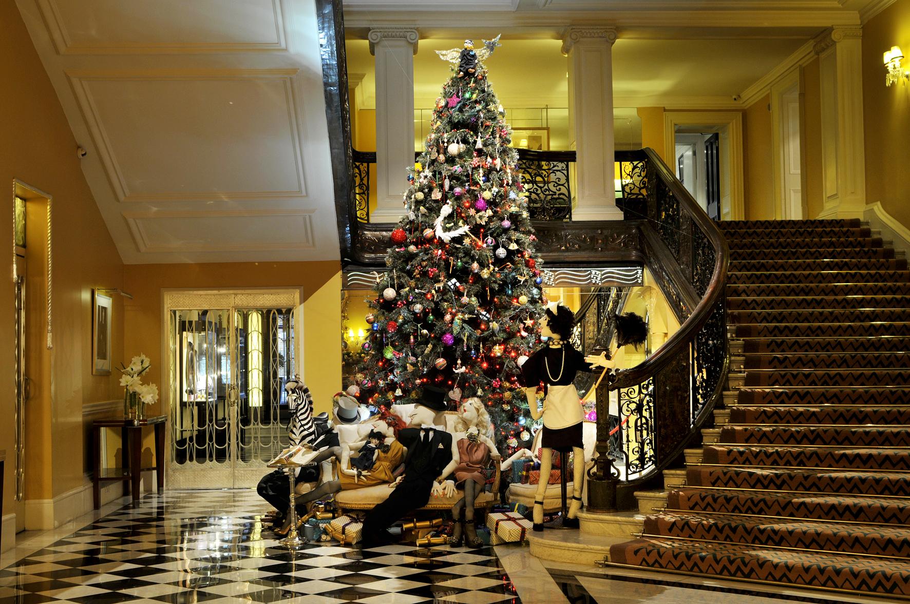 lanvin-christmas-tree.jpg