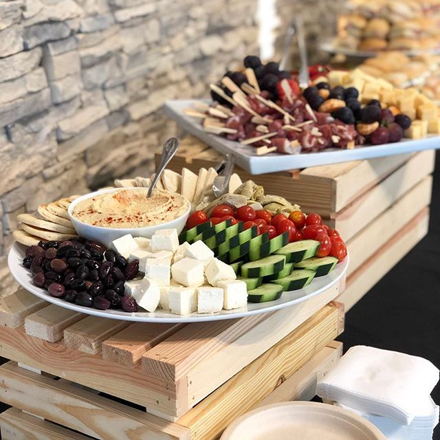 Foodē offers a variety of services for corporate catered events. Check out www.FoodeFresh.com to learn more. #foodefresh #foodecafe #foodevanwa #discovervanusa #vanwa #catering #pnw #wa