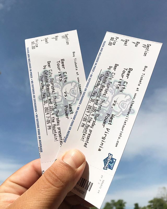 🚨🍻 GIVEAWAY ALERT 🍻🚨⠀⠀ ⠀⠀ Happy Thirsty Thursday Asheville! We've got one LAST opportunity to snag a pair of complimentary tickets to Beer City Fest, plus win yourself two complimentary tickets to tonight's @ashevilletourists game. To enter, simply:⠀⠀ 1. Like this post⠀⠀ 2. Tag your plus one to tonight's game⠀⠀ 3. Tag your favorite craft brewery on this year's Beer City Festival lineup⠀⠀ ⠀⠀ We'll announce the winner today at 5 PM, so keep your eyes peeled. Our winner can stop by @twinleafbeer to pick up your tickets and grab a couple of pregame beers to while you're at it! Ready, go!!⠀⠀ ⠀⠀ #beercityfest #avlbeerweek #thirstythursday #avlbeer #ticketwinners