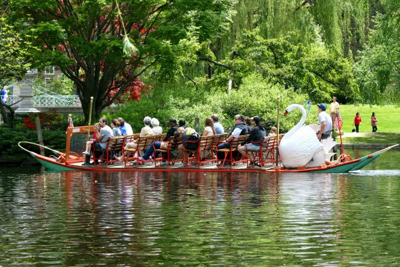 swan+boat1.jpg