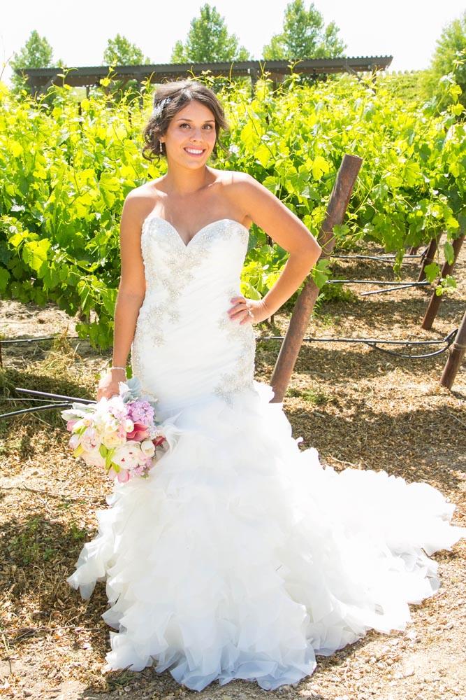 JJ Cellars Vineyard Wedding007.jpg