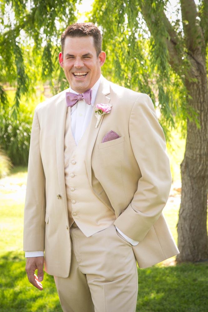 JJ Cellars Vineyard Wedding014.jpg