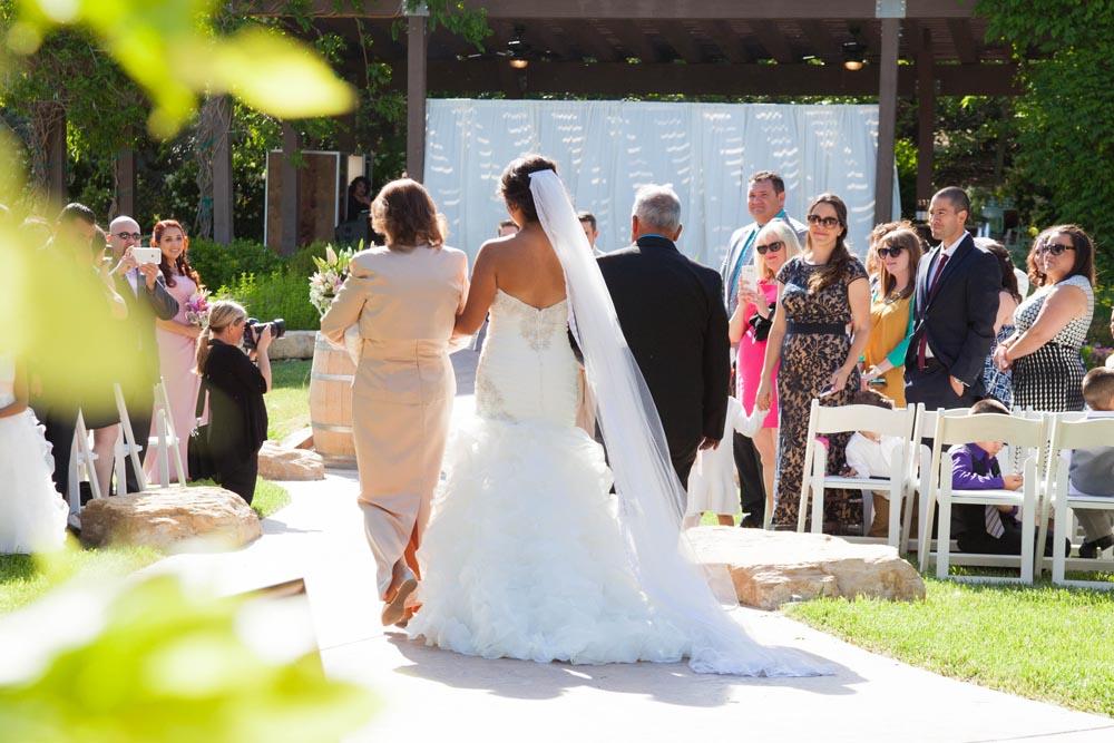 JJ Cellars Vineyard Wedding022.jpg