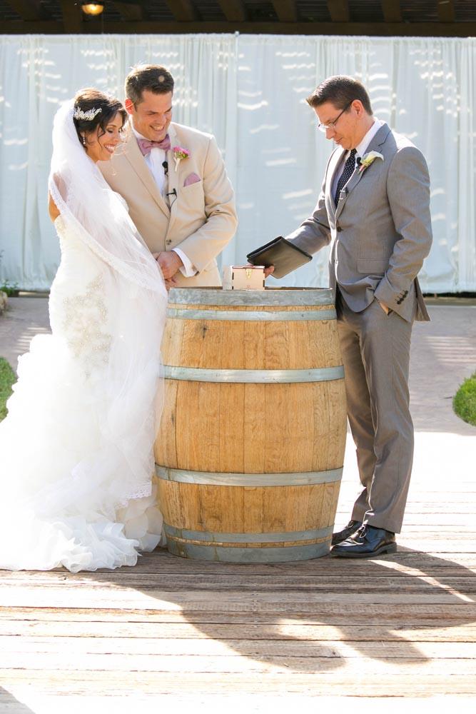 JJ Cellars Vineyard Wedding025.jpg