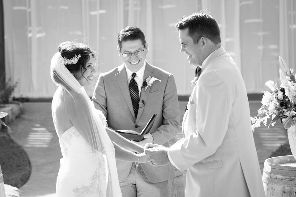 JJ Cellars Vineyard Wedding028.jpg