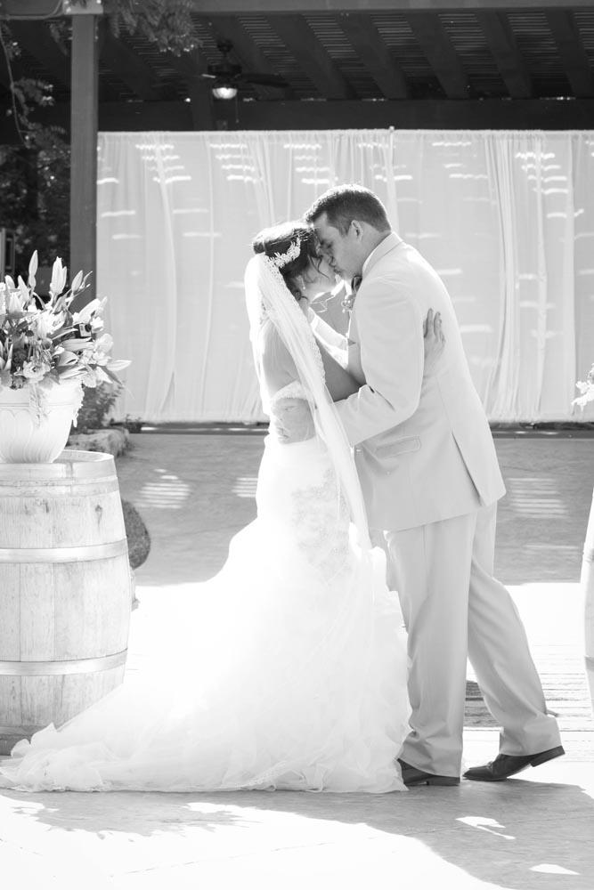 JJ Cellars Vineyard Wedding029.jpg