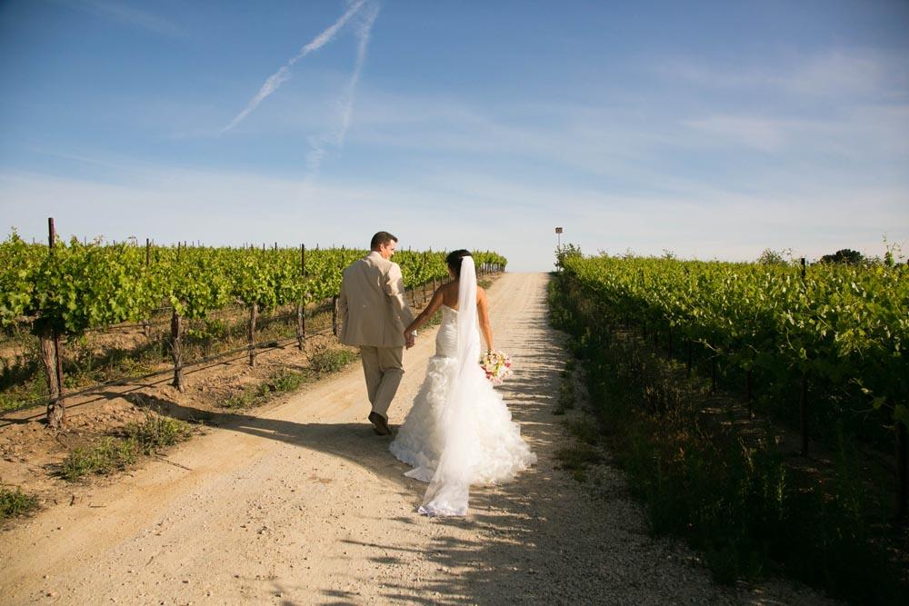 JJ Cellars Vineyard Wedding037.jpg