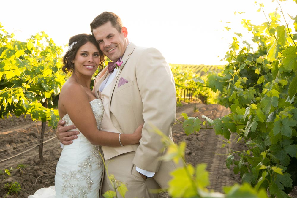 JJ Cellars Vineyard Wedding054.jpg
