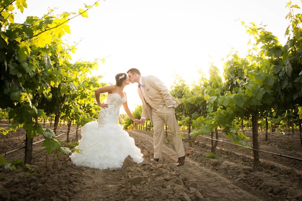 JJ Cellars Vineyard Wedding053.jpg