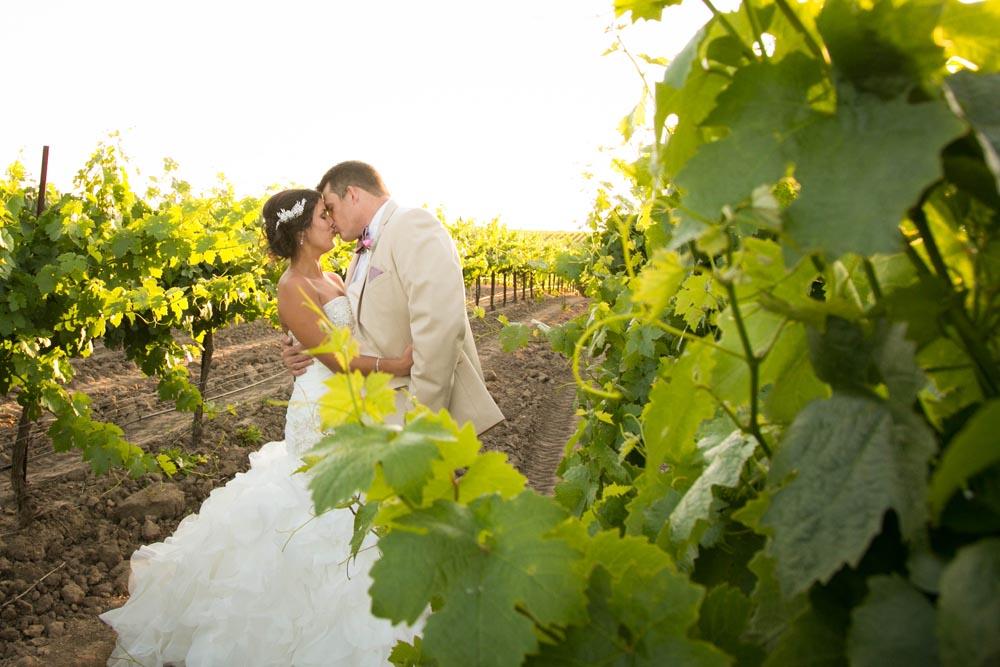 JJ Cellars Vineyard Wedding055.jpg