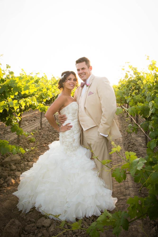 JJ Cellars Vineyard Wedding056.jpg