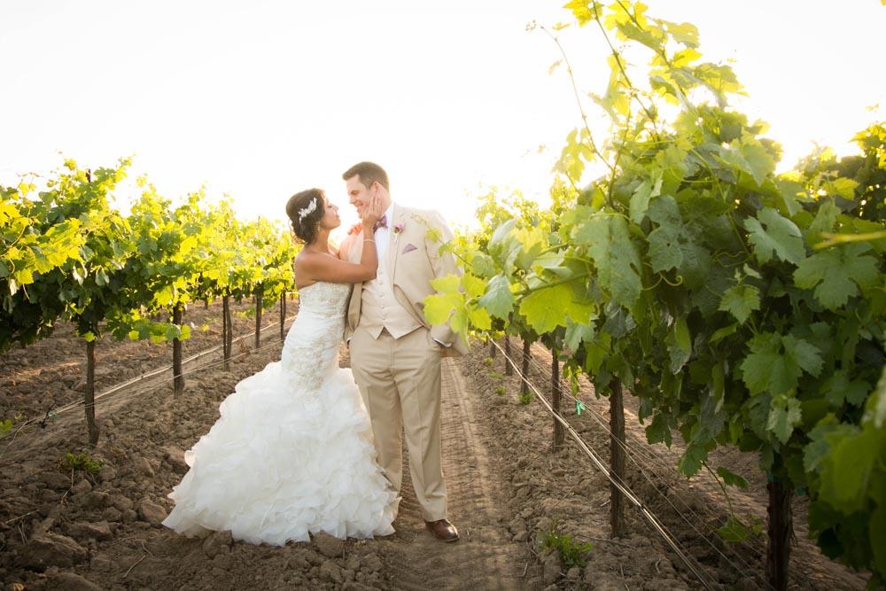 JJ Cellars Vineyard Wedding057.jpg