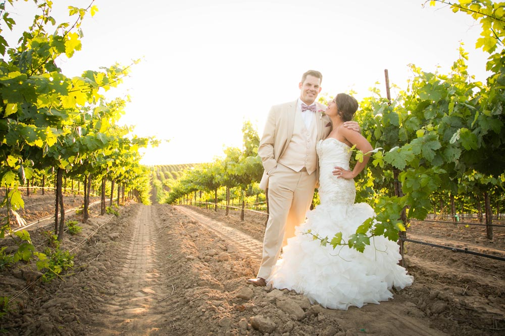 JJ Cellars Vineyard Wedding062.jpg