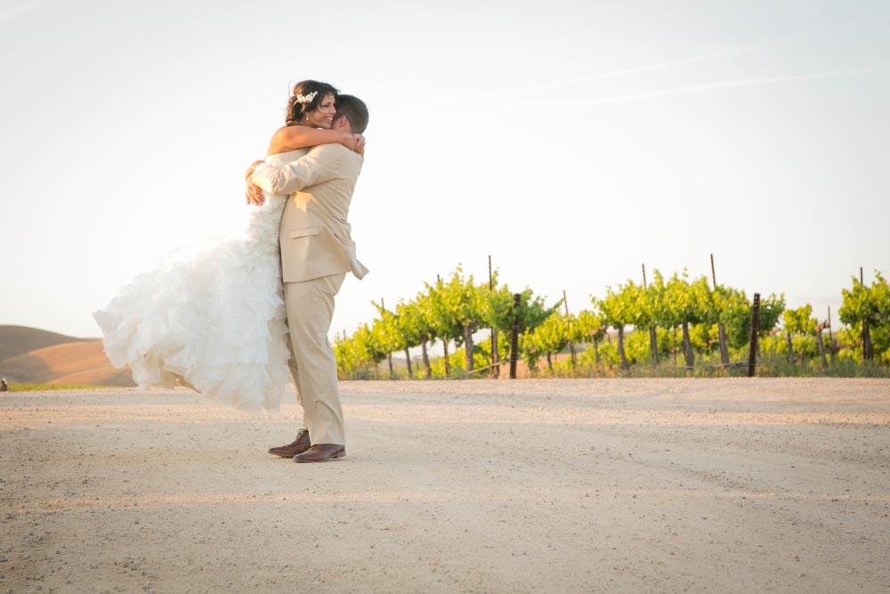 JJ Cellars Vineyard Wedding066.jpg