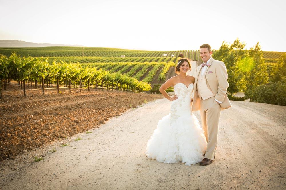 JJ Cellars Vineyard Wedding069.jpg