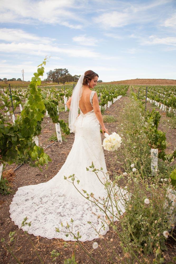 Summerwood Winery and Inn Wedding008.jpg