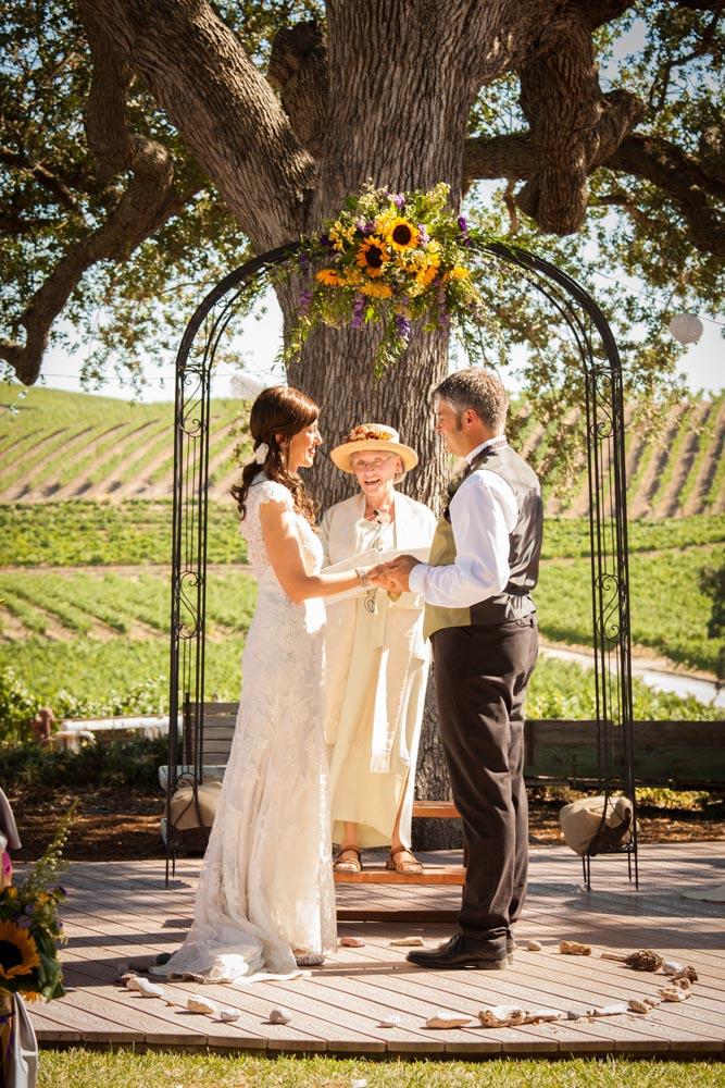 Pomar Junction Vineyard Wedding020.jpg