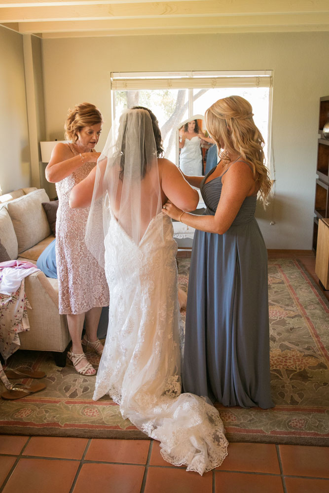 Paso Robles Wedding Photographer Villa San Juilette Vineyard and Winery 009.jpg