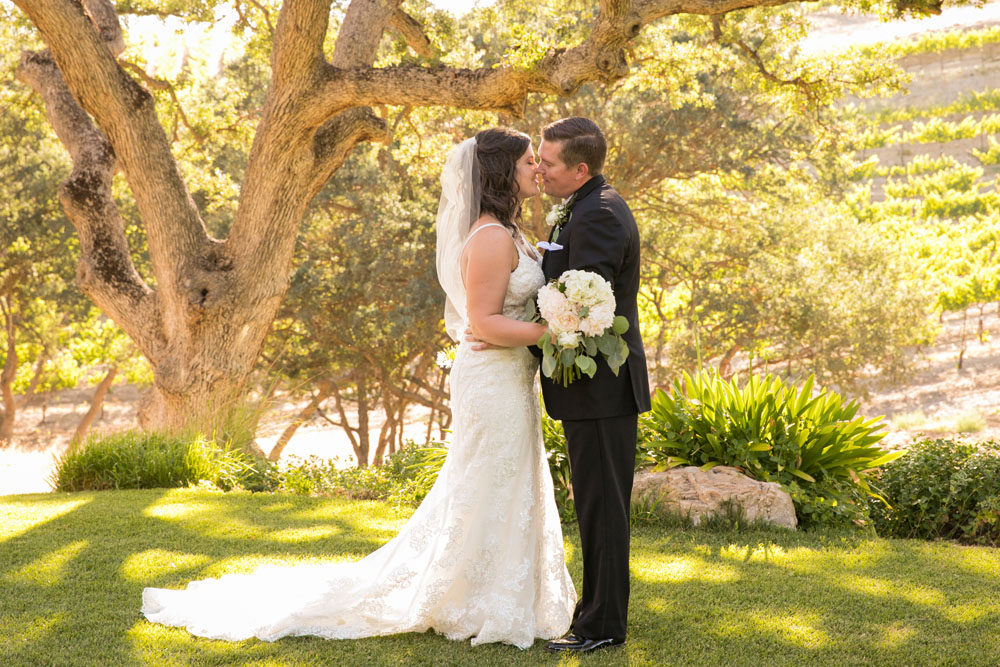 Paso Robles Wedding Photographer Villa San Juilette Vineyard and Winery 070.jpg