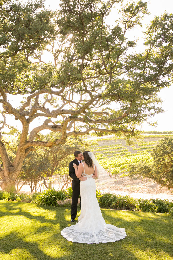 Paso Robles Wedding Photographer Villa San Juilette Vineyard and Winery 078.jpg