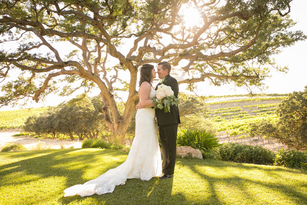 Paso Robles Wedding Photographer Villa San Juilette Vineyard and Winery 085.jpg