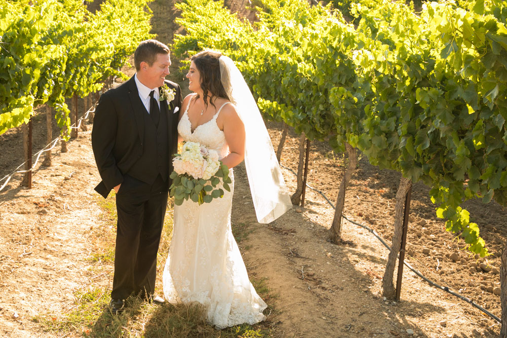 Paso Robles Wedding Photographer Villa San Juilette Vineyard and Winery 092.jpg