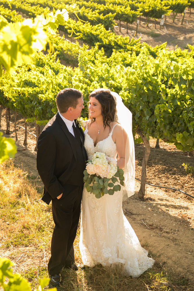 Paso Robles Wedding Photographer Villa San Juilette Vineyard and Winery 094.jpg