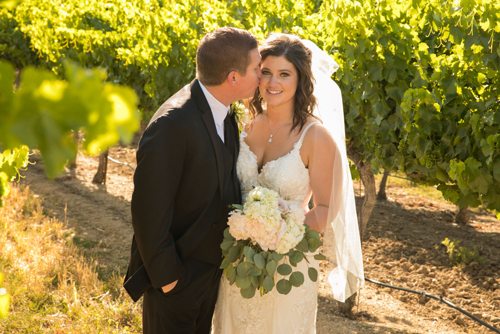 Paso Robles Wedding Photographer Villa San Juilette Vineyard and Winery 095.jpg