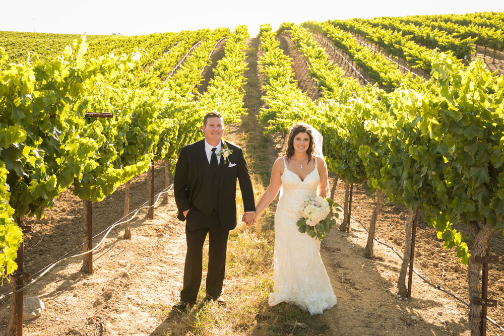 Paso Robles Wedding Photographer Villa San Juilette Vineyard and Winery 096.jpg