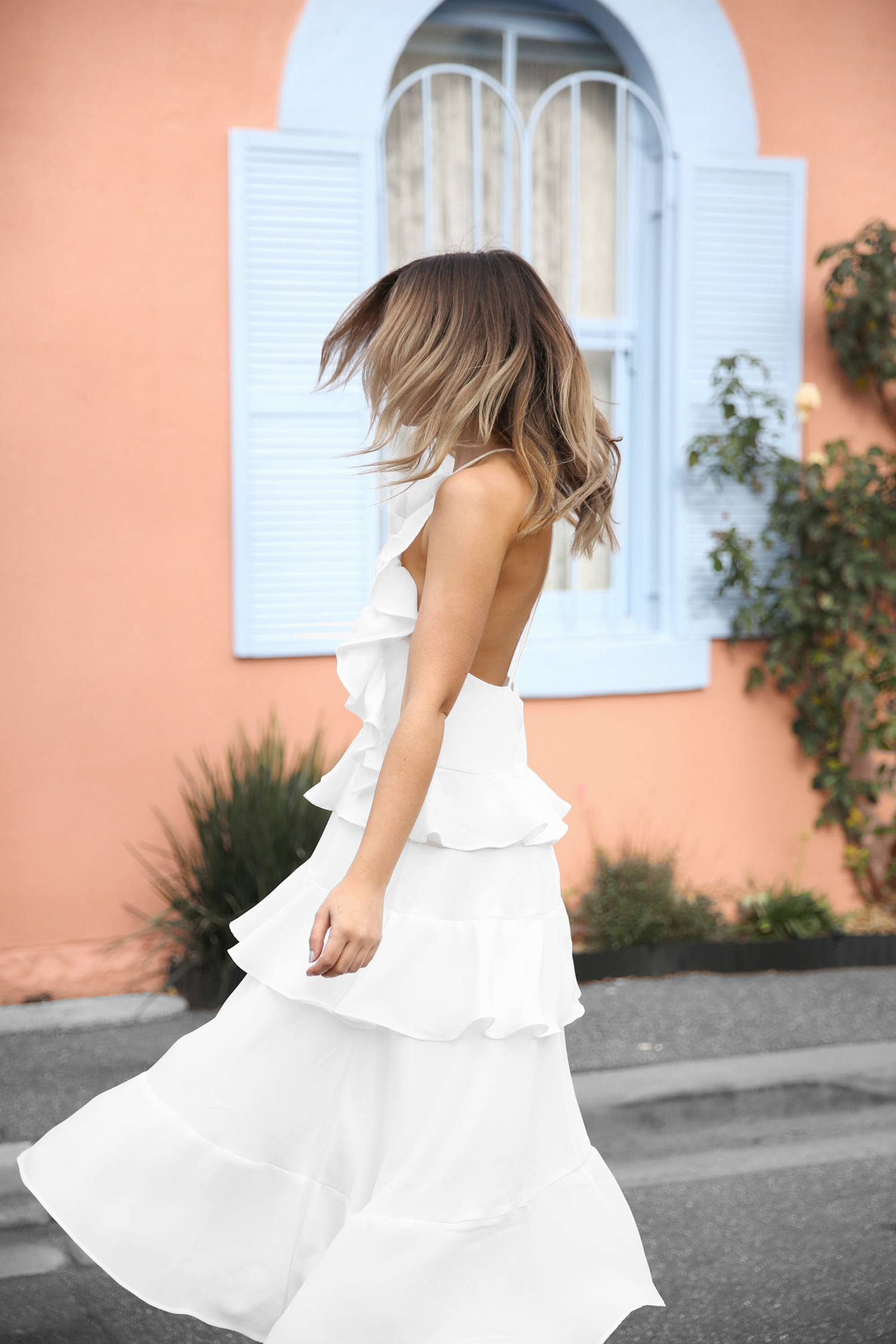 FriendInFashion_WhiteDress_StreetStyle_Vogue_12.jpg