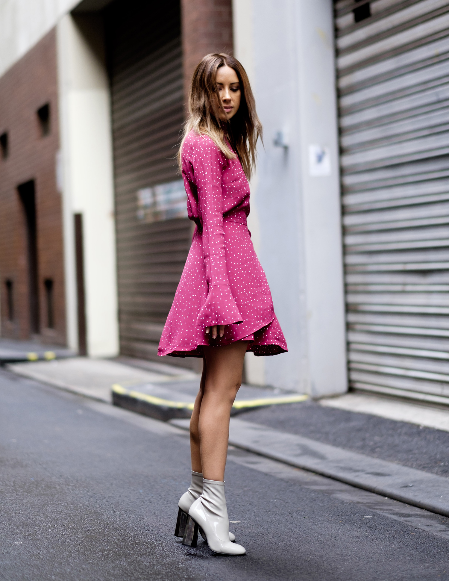 FriendInFashion_StreetStyle_RedDress_1.jpg