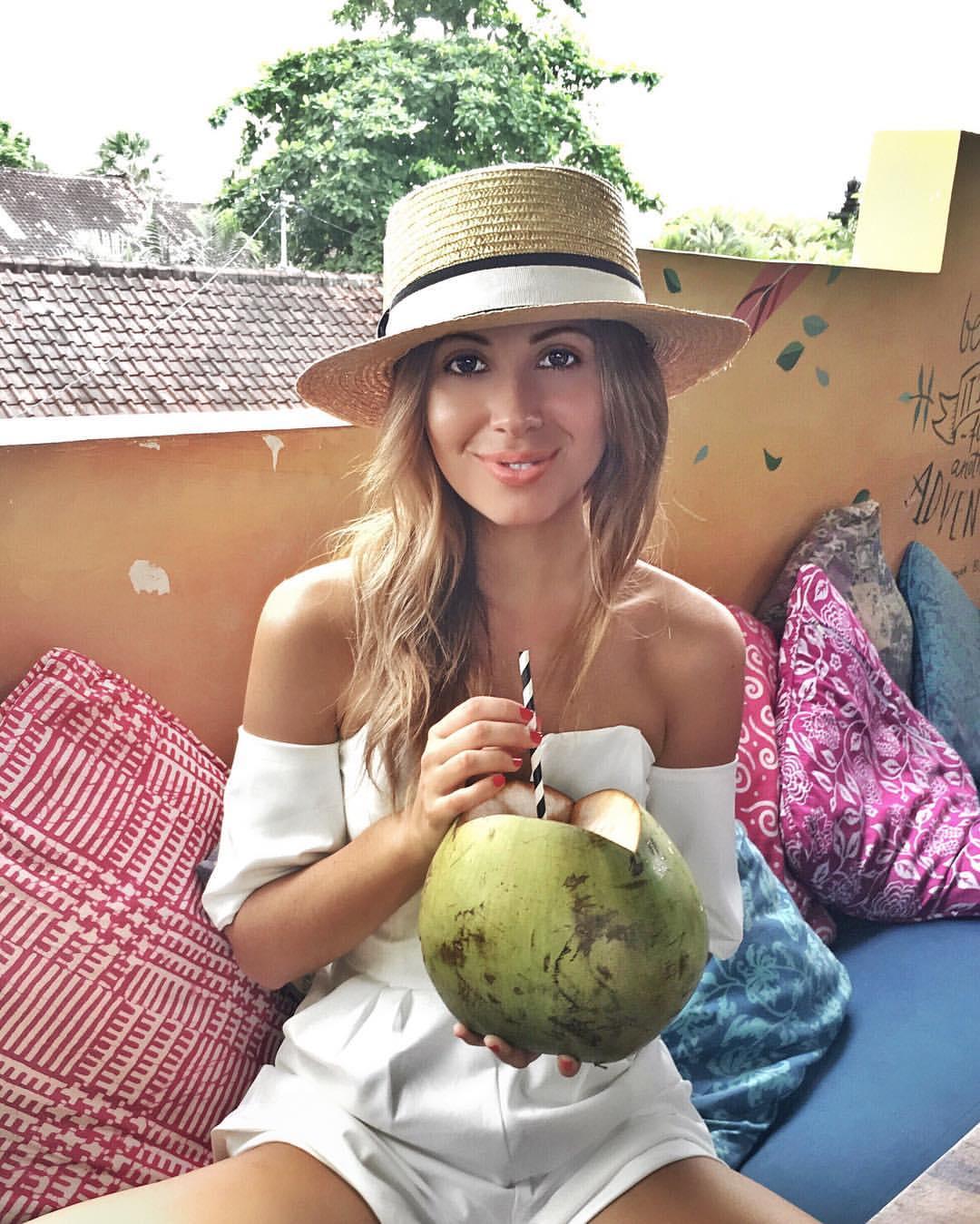 coconut a day, Friend in Fashion.jpg