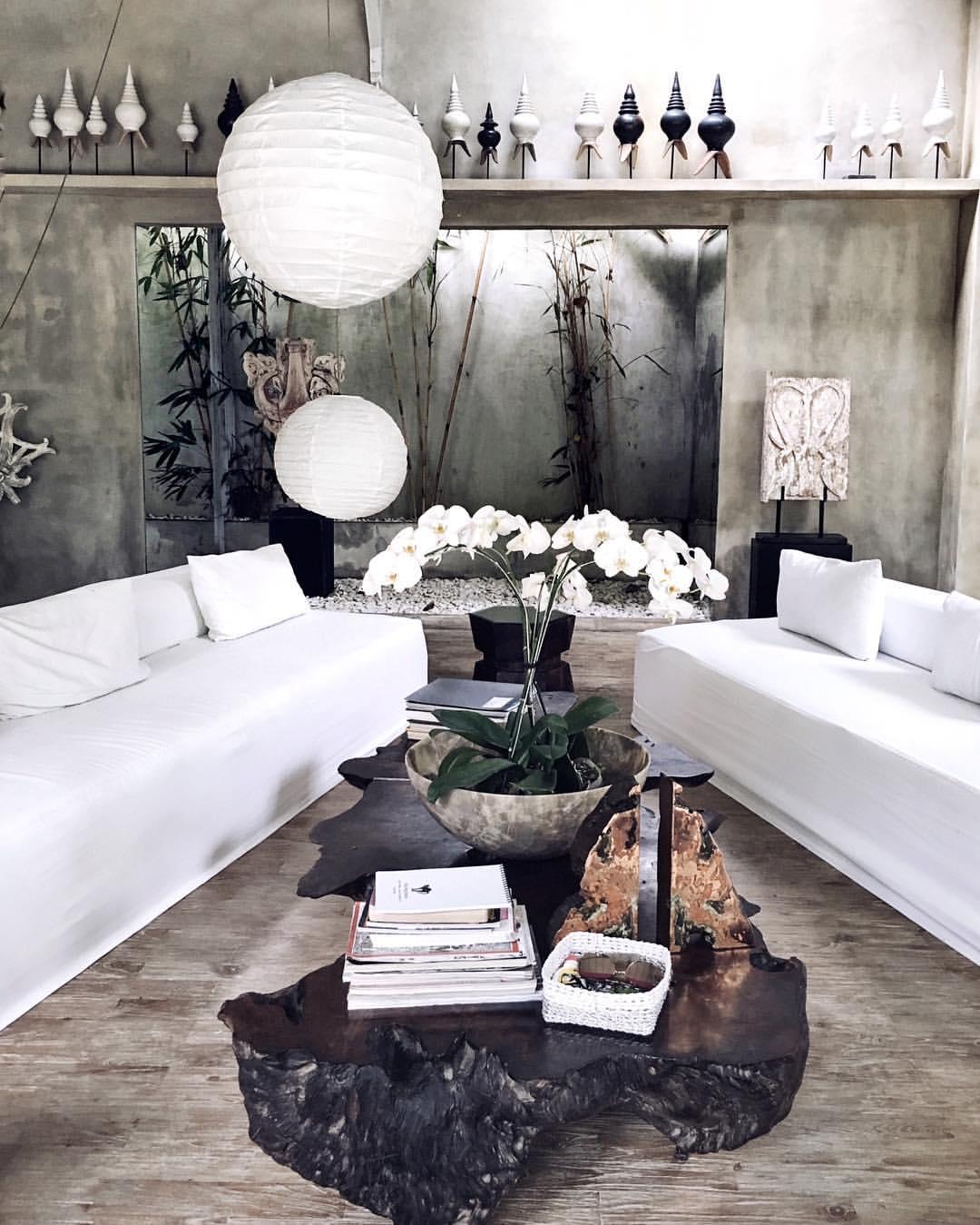 Friend in Fashion Living Room.jpg
