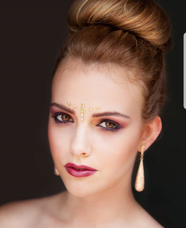 Dare to Dazzle - Beauty Shoot for Society Magazine  Hair/Makeup//@lizamua Model//@jessmilesmua Photographer//@julia.roder Published//@societymarbella Dazzle Hair Extentions can be found at @hairbyshannonmurray  #shoot#beauty#magazine #marbella #puertobanus #creativemakeup #creative #dazzle #published #makeupartist_worldwide #tb #model#work#happy #myjourney #spain #dubai #uae #uk #vegas #theworld #wilhelminamodels #wilhelmina #makeup #issue #editorial #september