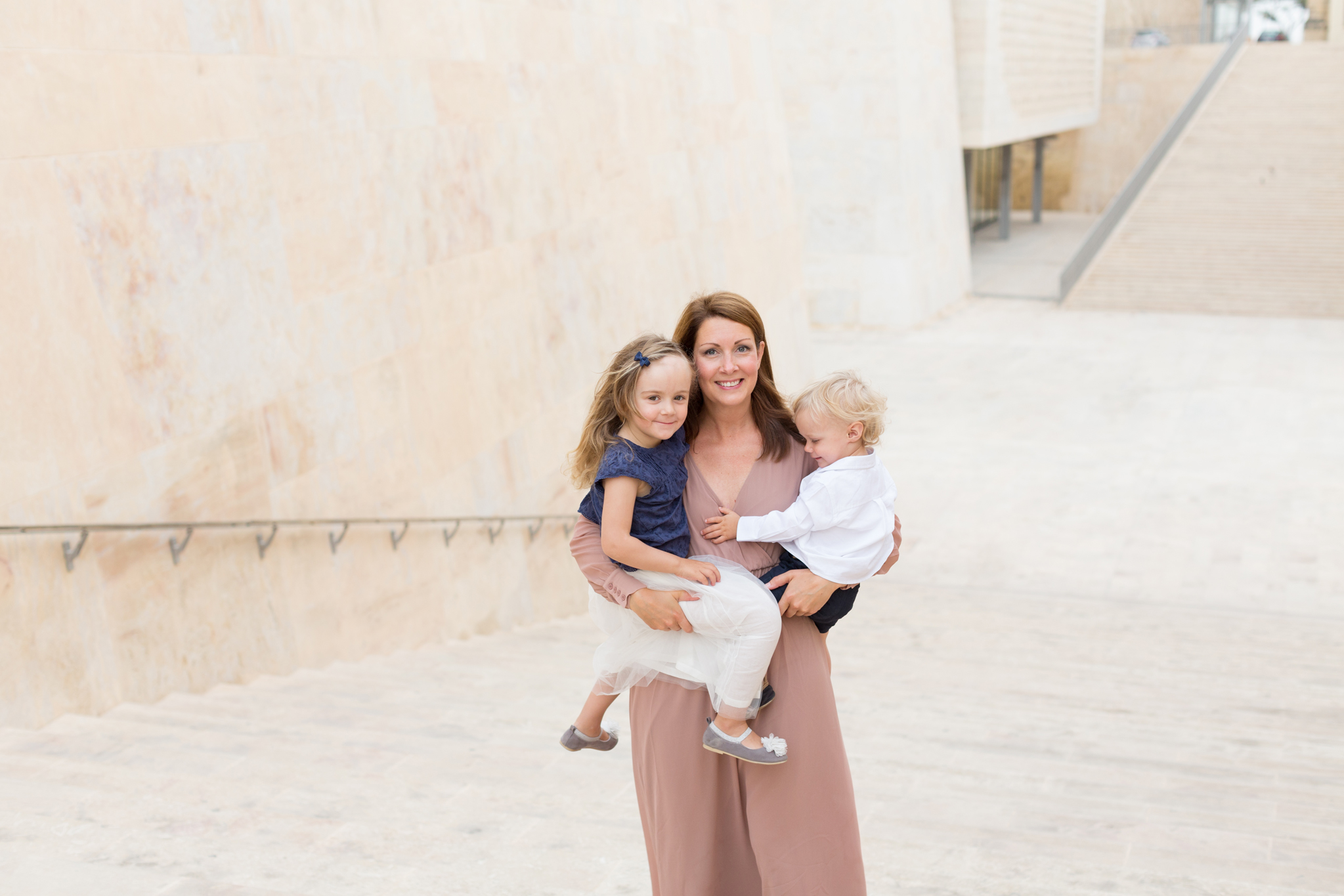 family photographer singapore, mother and child photoshoot, lifestyle family session, natural light