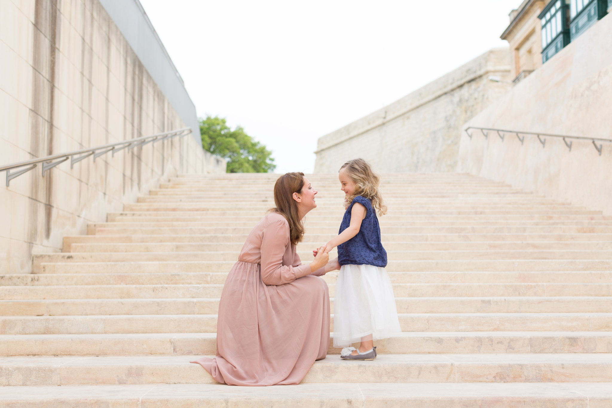 mother and daughter photoshoot, candid moments, singapore photographer, family photoshoot singapore, gorgeous light